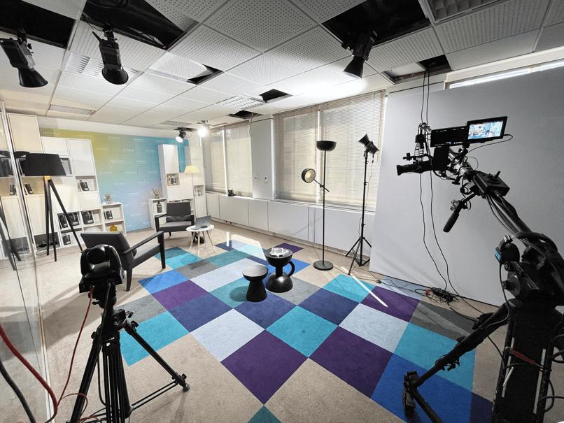le-264-studio-video-paris-8-plateau-secondaire-fond-vert-grue-camera-4k